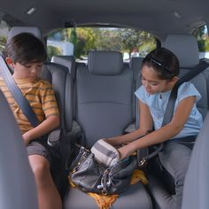 Catch your kids being cute with the available CabinWatch™ feature, which gives the driver a bird's-eye view of all the backseat shenanigans. Only in the all-new 2018 Honda Odyssey.
