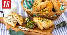 Skonssit valmistuvat nopeasti ja helposti. Savoury Baking, Baked Potato, Turkey, Potatoes, Bread, Ethnic Recipes, Food, Turkey Country, Potato