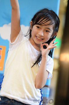 地下アイドルまとめブログ アクティブハカタ生の柳美舞さん(8)、雨のどんたくで見つかる 「橋本環奈の再来」 環奈様奇跡の1枚でおなじみ博多のタケさんのお墨付き Beautiful Japanese Girl, Beautiful Asian Girls, Beautiful Children, Cute Young Girl, Cute Little Girls, Girly Girl Outfits, Kids Outfits, 10 Years Girl, Cute Kids Photography