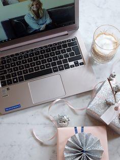 Nettside for oss som aldri får sendt julekort — Live ELLE - ASUS ZenBook UX305