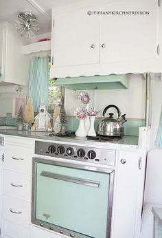 Love the color of this camper's stove