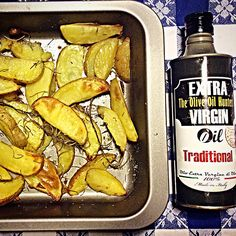 Baked #potatoes with just a pinch of salt, #rosemary and @extravirginshop #oliveoil.. #Wanderlust!  #Apulia #instafood #instagood #love #food #foodie #TheOliveOilHunters