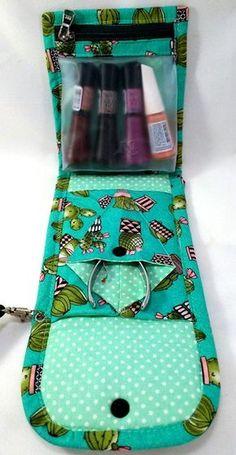 Bolsa p/ kit manicure. Em tecido, Estampa Rosa e Preto