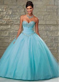 Chic Tulle Sweetheart Neckline Floor-length Ball Gown Quinceanera Dress