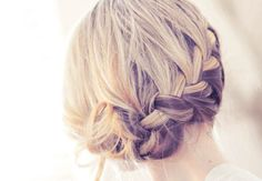 This is almost like how I did my hair for my sister's wedding! I love it!