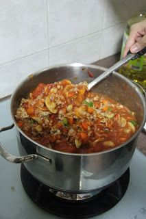Granny Pasta Sauce (make from scratch)   http://missussoon.blogspot.sg/2012/11/one-pot-dish-granny-pasta-sauce.html?q=one+pot