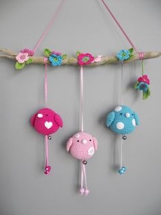 I am in love with these cute little guys!  Want patterns!!