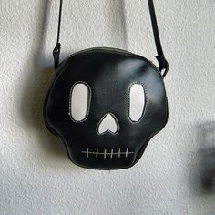 Skull bag by Love Pain and Stitches