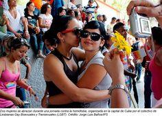 NO HAY MÉDICOS PARA LESBIANAS Escrito por IVET GONZÁLEZ. Los servicios de salud cubanos no asisten igual a las lesbianas... http://www.conexioncubana.net/sanidad/3946-no-hay-medicos-para-lesbianas