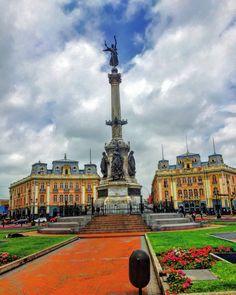 Plaza Dos de Mayo , Cercado de Lima , Lima - Perú. PLAZA MUY POPULAR DE LIMA.