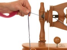 Spinning for Dummies - How to Check your Twist on Your Spinning Wheel