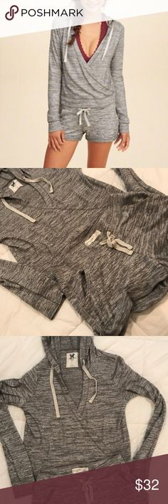 Hollister sleep set Hollister Gilly Hick Sleep set hoodie is a small and shorts are a xsmall LIKE NEW Hollister Sweaters V-Necks