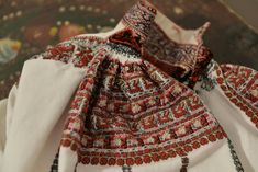 Costume, Embroidery, Needlepoint, Costumes, Fancy Dress, Costume Dress, Crewel Embroidery, Embroidery Stitches