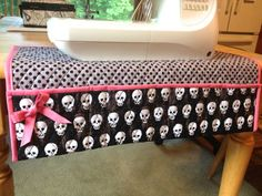 Sewing Machine Mat Tutorial featuring Riley Blake Designs Quilted Cotton #rileyblakedesigns #quiltedcotton #skulls #sewingmachinemat #tutorial #thesassyquilter