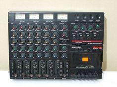 TASCAM PORTA TWO…当時MTRの意味が分からず「コーラスを付けられる機械」だと思って買ってしまったという無知っぷりも甚だしいままに、はじめての多重録音はここからはじまったのだった。