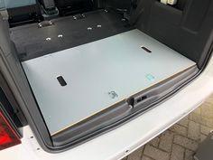 MICA Camperbox met zit, keuken en bed module! - 3DotZero Automotive BV Volkswagen Caddy, Kangoo Camper, Mini Camper, Extra Storage Space, Van Camping, Stainless Steel Sinks, Kitchen Units, Water Tank, Outdoor Life