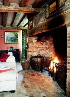 A restored hall house English Cottage Interiors, English Cottage Style, English House, English Cottages, Country Cottages, Country Houses, Inglenook Fireplace, Fireplaces, Farmhouse Fireplace