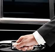 fctransporte- Roteiro Privativo - Para você e sua família.Monte você os seus passeios.Iremos levá-los aonde você e sua família desejarem. Realizaremos os passeios dos seus sonhos com segurança e qualidade nos serviços ontratados.   Inclusive com segurança pessoal se desejar.Transportamos em carros sedans, com motorista  bilíngues ou não, para os lugares e eventos do seu desejo.  Por períodos à sua disposição.  Valor à definir na data, conforme o tempo de duração e 3587-1170        97235-4846