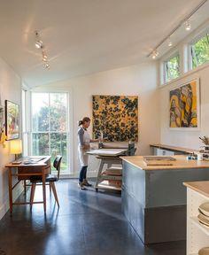 A Modern Live-Work Studio in Rhode Island