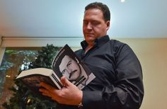 Los 28 errores que encontró el hijo de Pablo Escobar en la serie 'Narcos' de Netflix - AFP