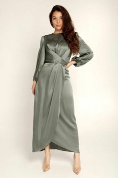Modest Dresses, Satin Dresses, Elegant Dresses, Pretty Dresses, Hijab Evening Dress, Hijab Dress Party, Evening Dresses, Muslim Fashion, Modest Fashion