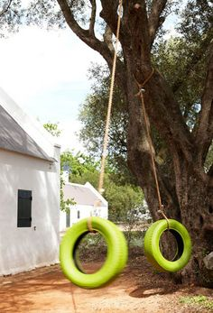 DIY: Lime-Green Painted Tire Swing : Gardenista Consider using low-VOC Benjamin Moore's Kiwi 544 Aura paint on a well-cleaned tire. Outdoor Life, Outdoor Fun, Outdoor Spaces, Outdoor Gardens, Outdoor Living, Outdoor Decor, Swing Painting, Painted Tires, Shades Of Green