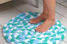 Aprenda a fazer seu próprio tapete para o banheiro: | Transforme toalhas velhas em suaves e sofisticados tapetes de banheiro
