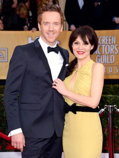 'Homeland' actor Damian Lewis and his wife Helen McCrory looked nice and chic on the red carpet at the 2013 SAG Awards. Beautiful couple!