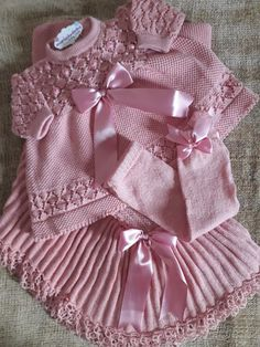Baby Knitting Patterns, Baby Dress Patterns, Baby Girl Fashion, Fashion Kids, Baby Shower Crafts, Knitted Baby Clothes, Dream Baby, Kids Outfits, Girls Dresses