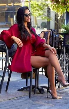 Sexy Dresses, Beautiful Dresses, Short Dresses, Women Legs, Sexy Women, Elegantes Outfit, Look At You, The Dress, Sexy Legs
