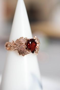 Cute Jewelry, Jewelry Gifts, Jewelery, Jewelry Accessories, Jewelry Design, Pretty Rings, Beautiful Rings, Garnet Rings, Garnet Gemstone