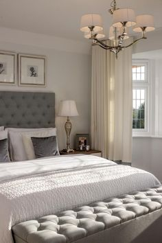 Stunning, deep buttoned headboard and Ottoman #hotlooks #bedrooms