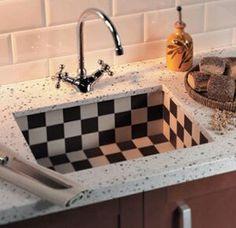 Love this board of vintage kitchen stuff.............terug van weggeweest, de ouderwetse gootsteen