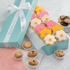 Mrs. Fields - Fresh Flowers Gift Box (free shipping!)