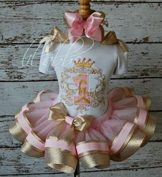 Need this in pink and silver! Why is everything pink and gold. Not a fan of yellow gold. Once Upon a Time, Princess Tutu Set~Includes Scrollwork Top, Sparkle Ribbon Tutu, Hair Bow~GORGEOUS! 1st Birthday Princess, Baby Girl First Birthday, Princess Party, First Birthday Parties, Birthday Tutu, Birthday Ideas, Geek Birthday, Space Princess, Princesa Tutu