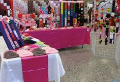 Craft Show Pictures from Yesterday - Page 3 - Hip Girl Boutique Free Hair Bow Instructions--Learn how to make hairbows and hair clips, FREE!