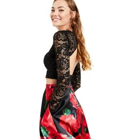 Super cute two-piece gown with a lacey crop top and a gorgeous floor length floral-print skirt. The post B Darlin Juniors 2-Pc. Lace & Floral Print Formal Gown first appeared on Koopo Online.