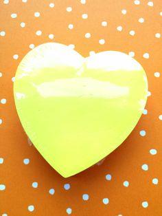 25 september 2014. Gisteravond kreeg ik van een vriendin een klein kadootje: post its in hartvorm. Zo lief! Daarnaast hielp ons fijne gesprek, waarin ze een aantal dingen heel helder duidde, me verder, zo voelde ik vandaag.