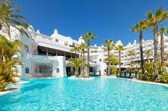 Piscina del hotel / Swimming pool #h10esteponapalace #estepona palace #estepona #h10hotels #h10 #hotel10