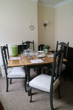 Vintage Farmhouse Table And 4 Chairs Dark Green Paint