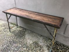 Stoere oude houten sidetable buro bureau doorleefd industrieel
