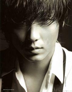 Lee Joon Gi (이준기)
