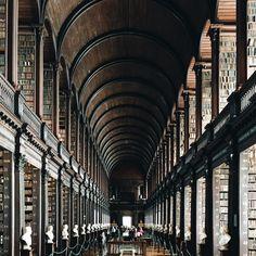 Galería de La belleza de las bibliotecas del mundo bajo el lente de Olivier Saboya - 14