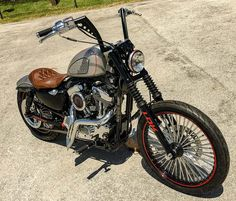 This is the Harley Bobber customized by Lord Drake Kustoms for the Benefit Gala offered by Antonio Banderas in the Miami Fashion Week V Star 650 Bobber, Honda Rebel 250 Bobber, Triumph Bobber, Bobber Bikes, Harley Bobber, Bobber Motorcycle, Bobber Seat, Bobber Chopper, Goldwing Bobber