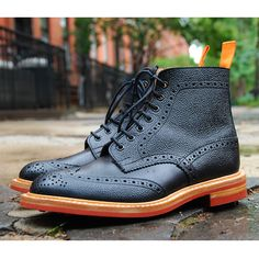 BKc + Tricker's Boots Onyx (Brooklyn Circus) Me Too Shoes, Men's Shoes, Shoe Boots, Dress Shoes, Sparkle Outfit, Gentleman Style, Gentleman Shoes, Italian Shoes, Only Shoes