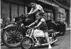 There are certain traits that define masculinity and what it means to man up that most men and women would still agree upon. Strength, reliability and action are all still core parts of what makes a man's man. Daily Man Up Photos) - August 2019 Motos Vintage, Vintage Bikes, Vintage Motorcycles, Custom Motorcycles, Bmw Vintage, Vintage Cycles, Indian Motorcycles, Tel Pere Tel Fils, Blitz Motorcycles