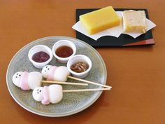 Japanese mochi ~~ I wonder what the dipping sauces with them are....