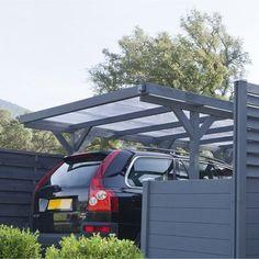 Nombre de voitures : 1 voiture (moins de 15 m²) Dimension : H 234 cm x L 304 cm x P 512 cm Surface utile (en m²) : 13.49 Couverture PVC transparente qui apporte de la luminosité (500 euro)