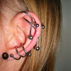 45 Unique Spiral Piercing Designs to get coolness and charm