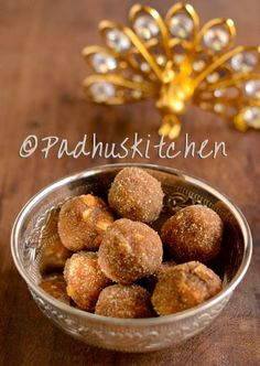 Poha laddu with natural cane sugar and nuts-healthy snacks for both kids and adults Healthy Homemade Snacks, Healthy School Snacks, Healthy Toddler Snacks, Healthy Snacks For Kids, Healthy Fruits, Toddler Food, Baby Food Recipes, Indian Food Recipes, Sweet Recipes